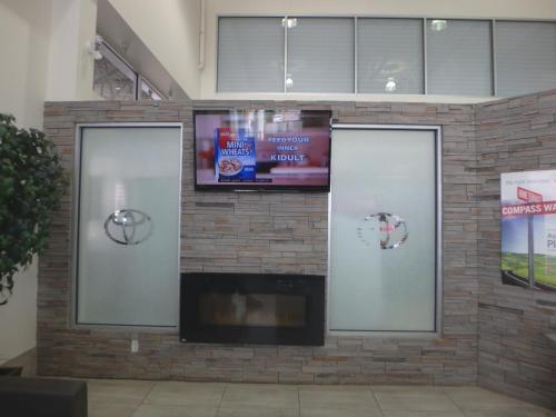 Gateway Toyota - Window Graphics